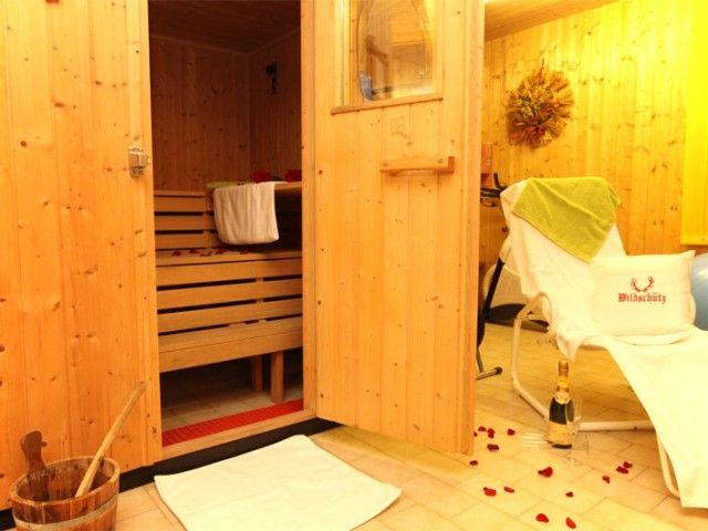sauna-1.jpeg