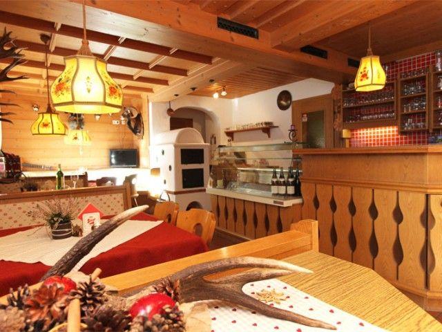 restaurant-3.jpeg