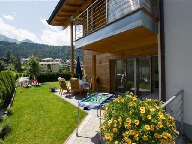eine der 2 Terrassen Appartement Christine Tirol