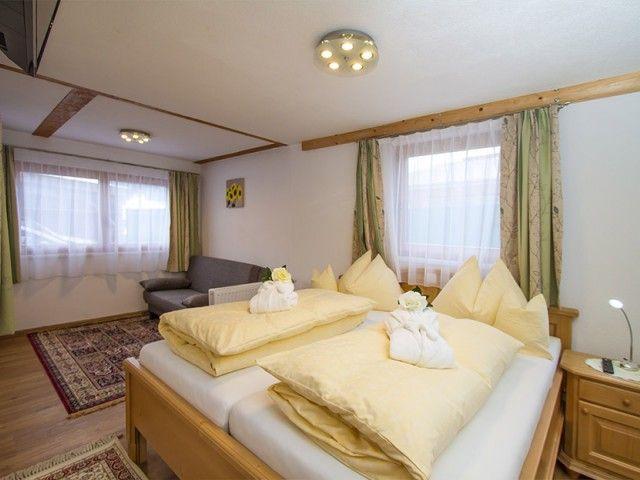 Schlafzimmer - Gerti's Ferienwohnungen Hochfilzen