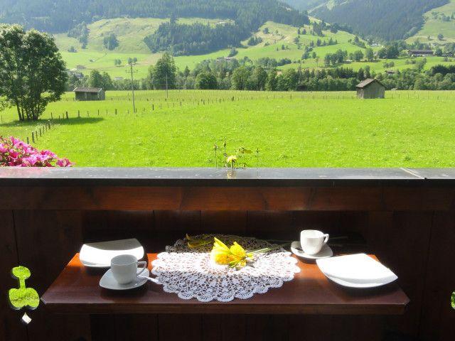 Genießen Sie das Frühstück am Balkon