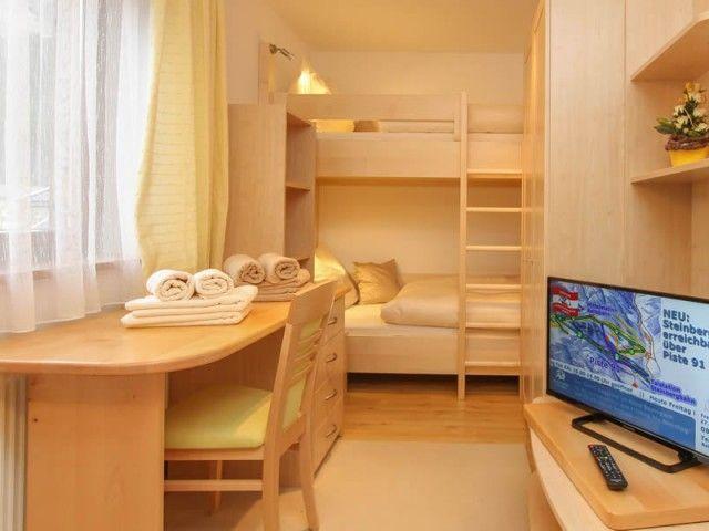 Schlafzimmer mit Etagenbett Ferienwohnung 2