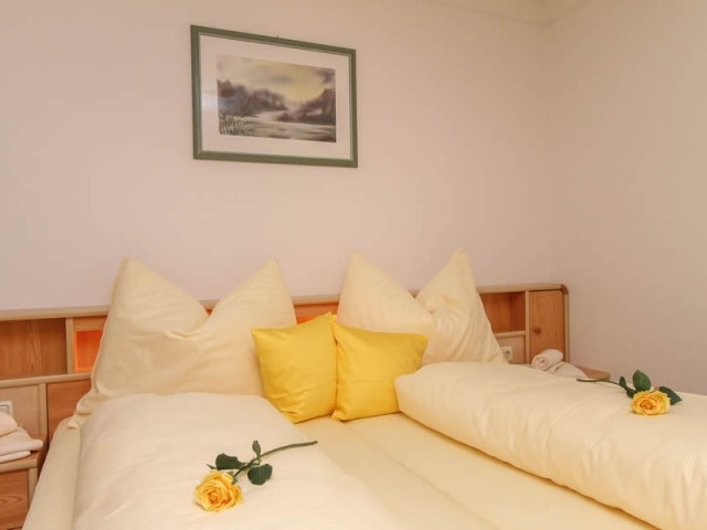 Schlafzimmer Ferienwohnung  1 im Ferienhaus Enn in