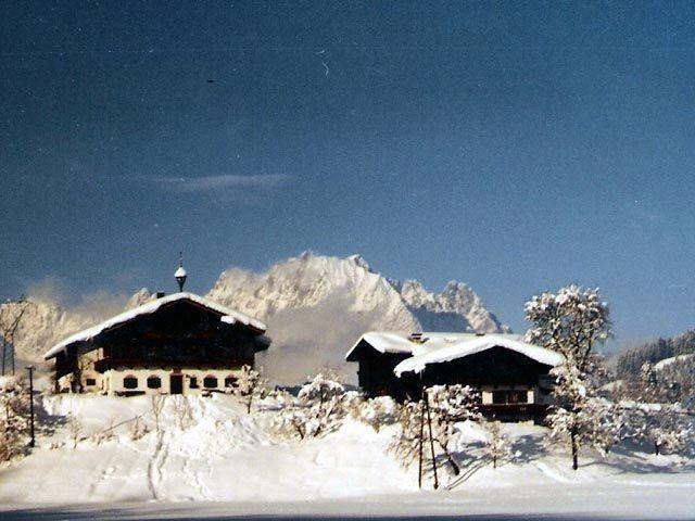 winter-bauernhof-pillerseetal-7fe68df004.jpg