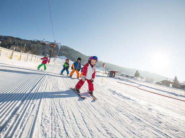 Skifahren-fuer-die-Kleinsten-im-Bobo-Park-Buchenst