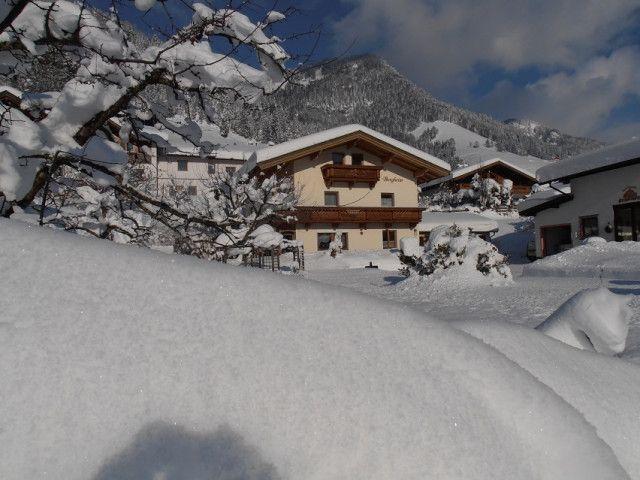 winterurlaub-kaiserwinkl-1.jpg