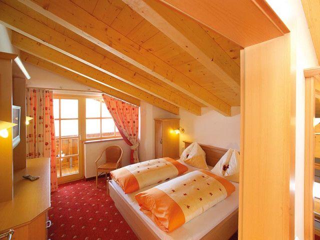 Handlerhof-Familiensuite-Zimmer.jpg