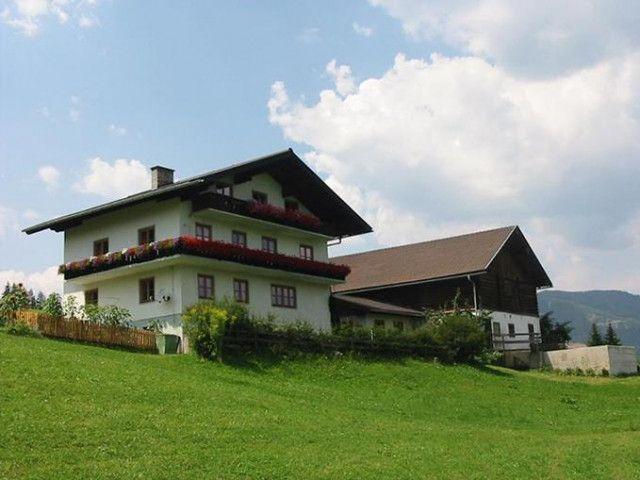 Pommerbauer_-_Haus_im_Sommer.jpg