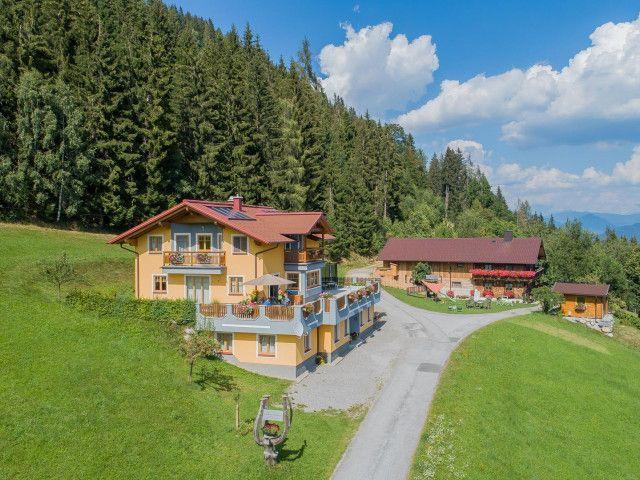landhaus-hochkoenig-ferienwohnung-sommer-0107.jpg