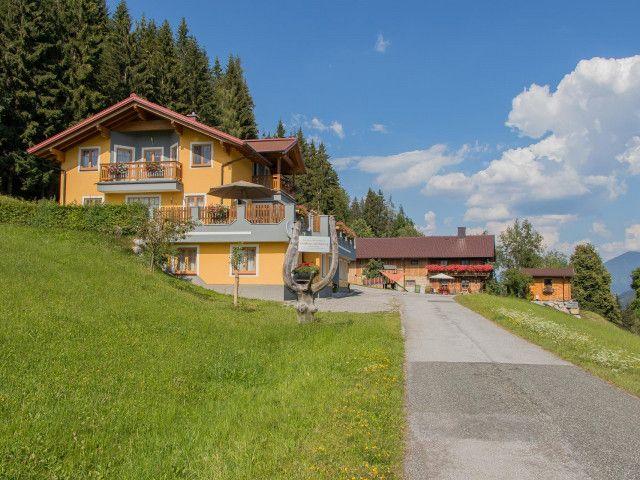 landhaus-hochkoenig-ferienwohnung-sommer-1447.jpg