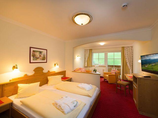 Zimmer-Sonnenschein-Hotel-Lammwirt-Grossarl.jpg