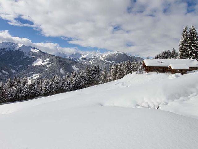 remberghuette-winter.jpg