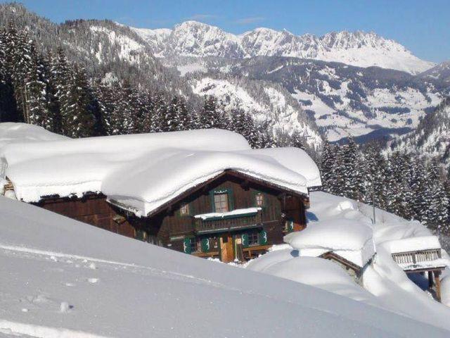 amoseralm-almhuette-gasteinertal-winter.jpg