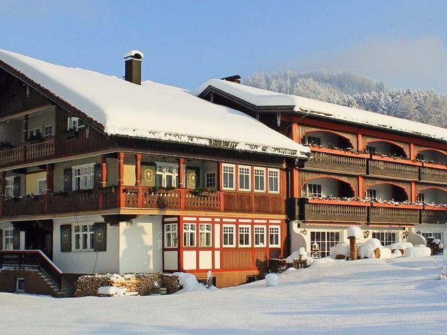 winterurlaub-oberstaufen-allgaeu-hotel-muehlenhof.