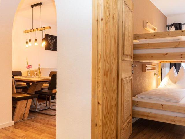 schlafzimmer-esszimmer-tischlampen-stockbett.jpg