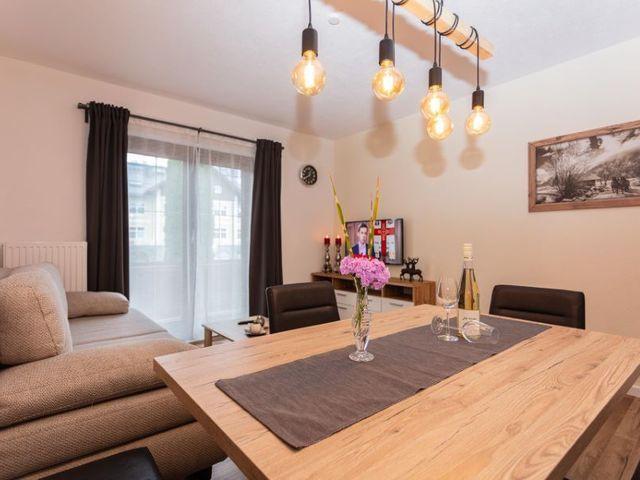 tischlampen-wohnzimmer-couch.jpg