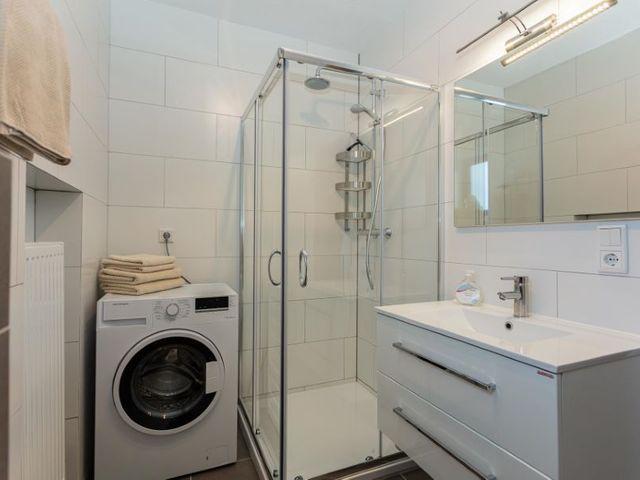 waschmaschine-dusche-waschbecken.jpg
