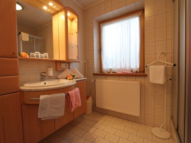 Appartement Lofer Badezimmer