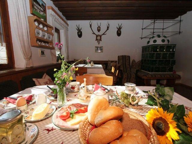 Frühstück mit regionalen Produkten