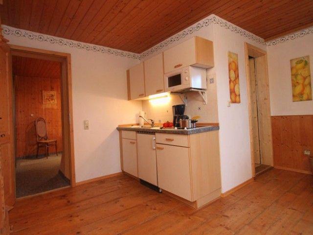 voll ausgestattete Küche der Ferienwohnung