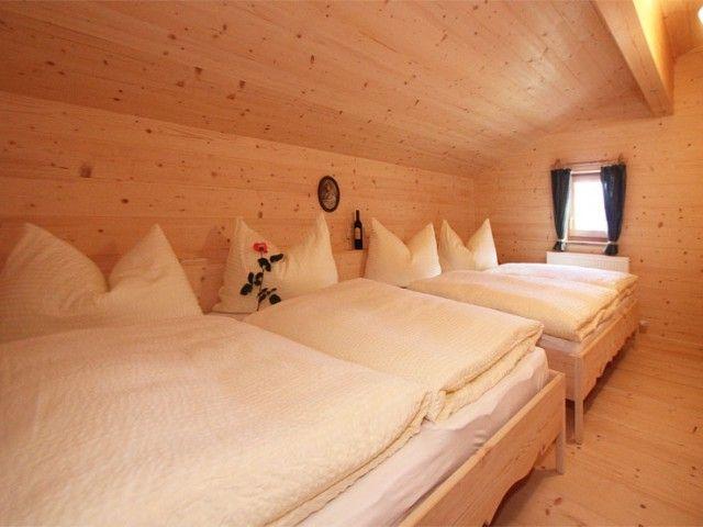 Doppelbett-Schlafzimmer-Uhlinger